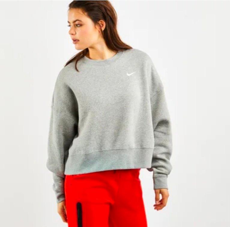 Nike Trend Fleece Essentials - Damen Sweatshirt für 29,99€ inkl. Versand (statt 50€)