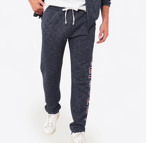 "Hollister Herren Jogginghose ""Iconic Logo Straight Leg"" für 22,87€ (statt 45€)"