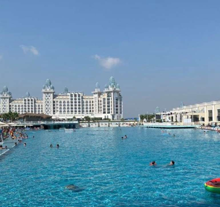 Türkei Luxus Urlaub: 7 Tage im Top 5* Strandhotel + All Inclusive, Flüge & Transfer ab 361€ p.P.