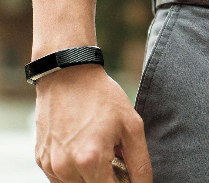 Fitbit Alta: Unisex Aktivitäts- & Schlaftracker-Armband für 79€ (statt 87€)