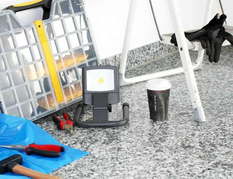 Lutec Front 6230 GR LED Außenstrahler für 12,99€ inkl. VSK