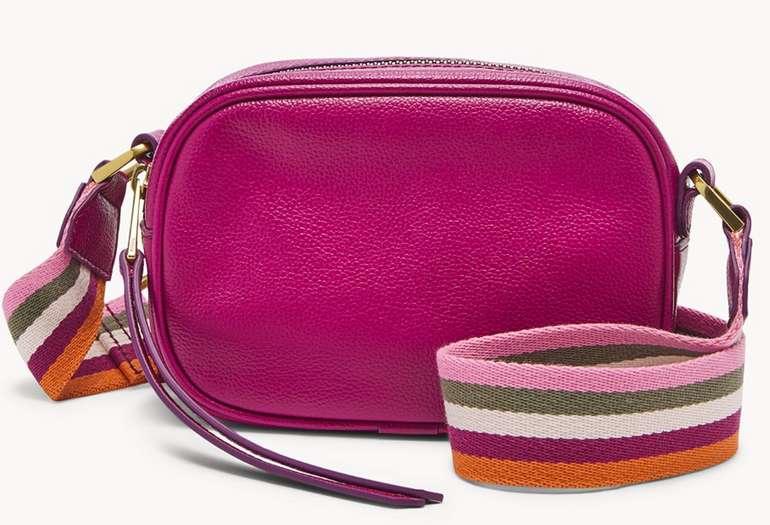 Fossil: 30% Rabatt auf reduzierte Leder Artikel - z.B. Damen Tasche Maisie - Small Camera Bag für 46,90€ (statt 89€)