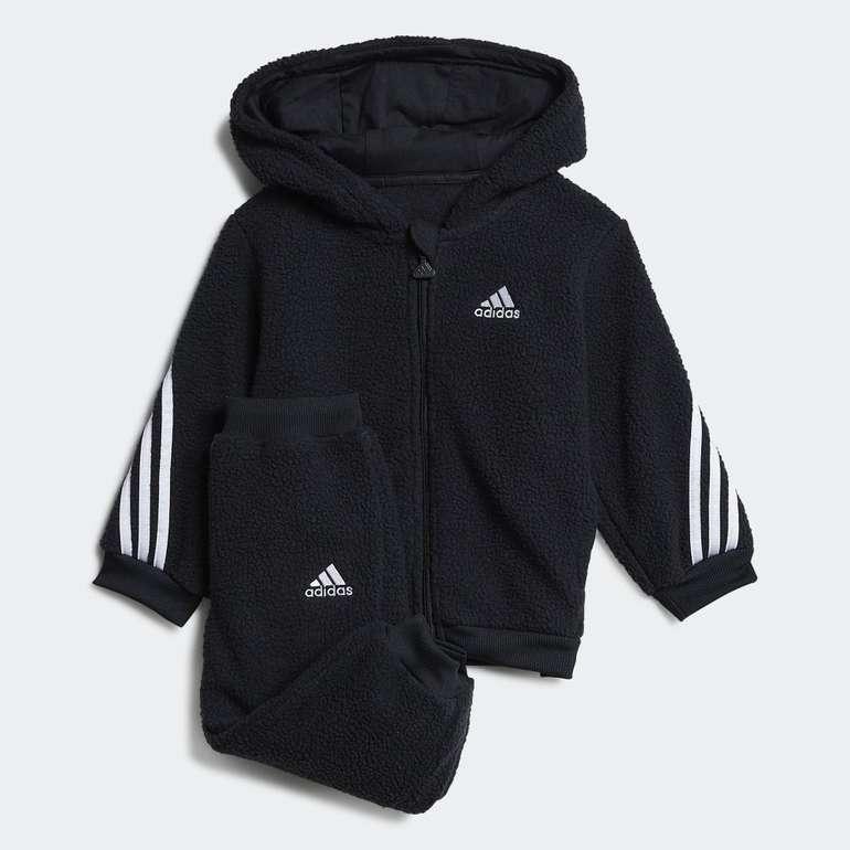 Adidas I FI Sherpa Kids Jogginganzug in 2 Farben für je 31,50€ inkl. Versand (statt 37€)