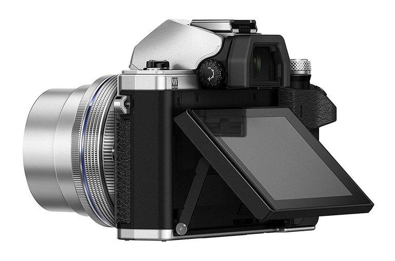 Olympus E‑M10 Mark II 14-42 mm Kit + 45mm F1.8 M.Zuiko Digital für 399€