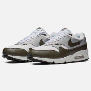 Nike Sneaker Air Max 90/1 in grau/schwarz für 90,99€ inkl. VSK (statt 136€)