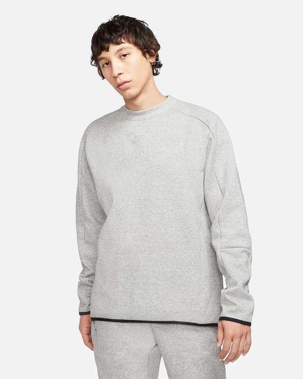 Nike Sportswear Tech Fleece Herren-Rundhalsshirt in 2 vers. Farben zu je 44,38€ inkl. Versand (statt 64€)