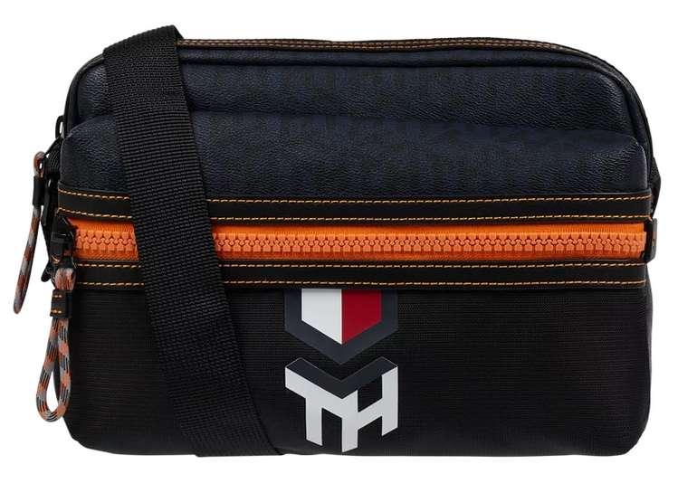 Tommy Hilfiger Umhängetasche mit Logo-Muster für 29,99€inkl. Versand (statt 50€)