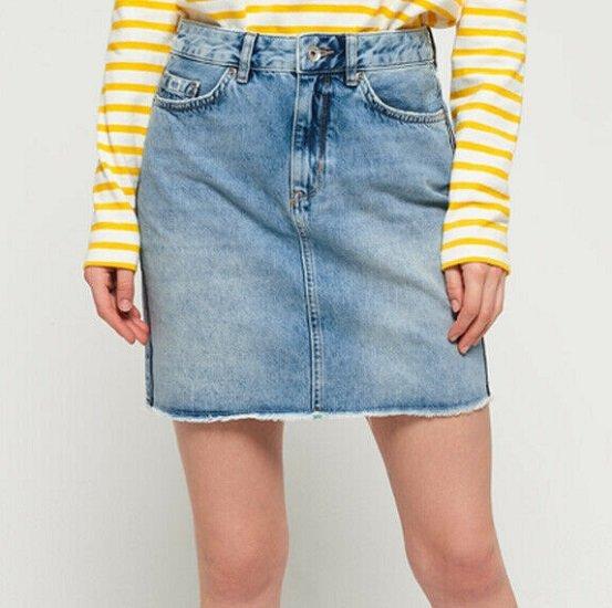 Superdry Damen Jeans Minirock für 22,36€ (statt 34€)