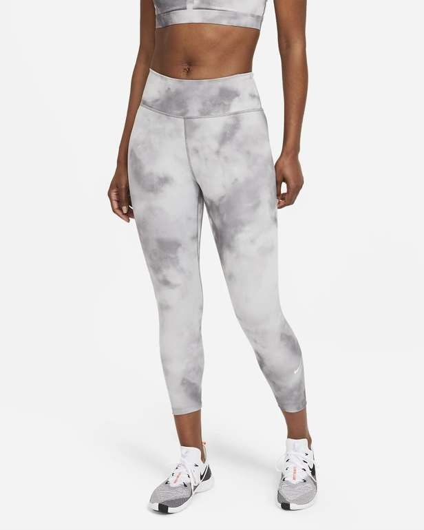 Nike One Icon Clash Damen Kurz-Leggings für 35,99€ inkl. Versand (statt 43€) - Nike Membership!