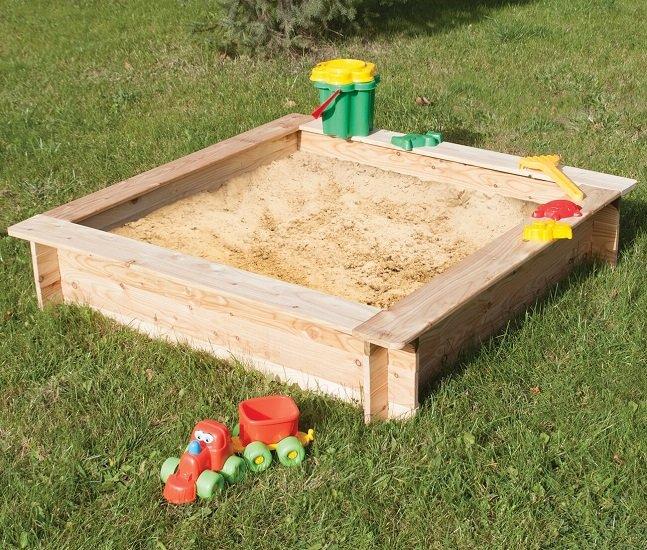 Sandkasten Komplett-Bausatz aus Fichtenholz in 120cm x 120cm für 39,99€