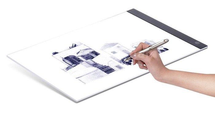 Dimmbares A4 LED Slim Craft Tattoo Lightpad für 11,33€ inkl. VSK