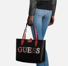 "Guess Wendeshopper ""Bobbi"" Inside Out für 80,67€ inkl. Versand (statt 94€)"