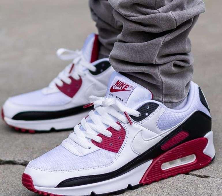 """Nike Air Max 90 Herren Sneaker im """"White/Maroon""""-Colourway für 80€ inkl. Versand (statt 100€)"""