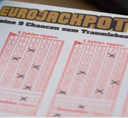 48 Mio. Euro im Eurojackpot - z.B. 4 Felder EuroJackpot + 5 Rubbellose für 1€ (nur Neukunden!)
