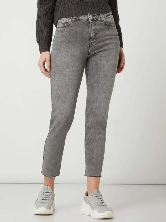 Review Damen Straight Fit Jeans mit Stretch-Anteil für 11,04€ inkl. Versand (statt 20€)