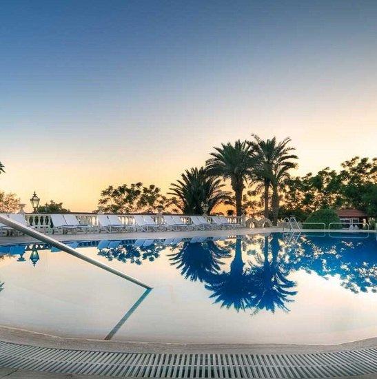 Türkei: 7 Tage Alanya im top 5* LABRANDA Alantur Resort mit All Inclusive, Flügen, Zug & Transfer ab 367€ p.P