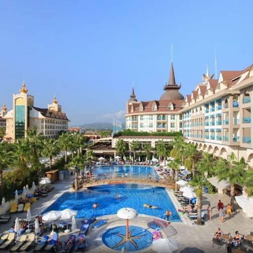 Türkei: 7 Tage im 5* Crown Hotel mit All Inclusive, Flug & Transfer ab 266€ p.P. (ab Januar Januar 2020)