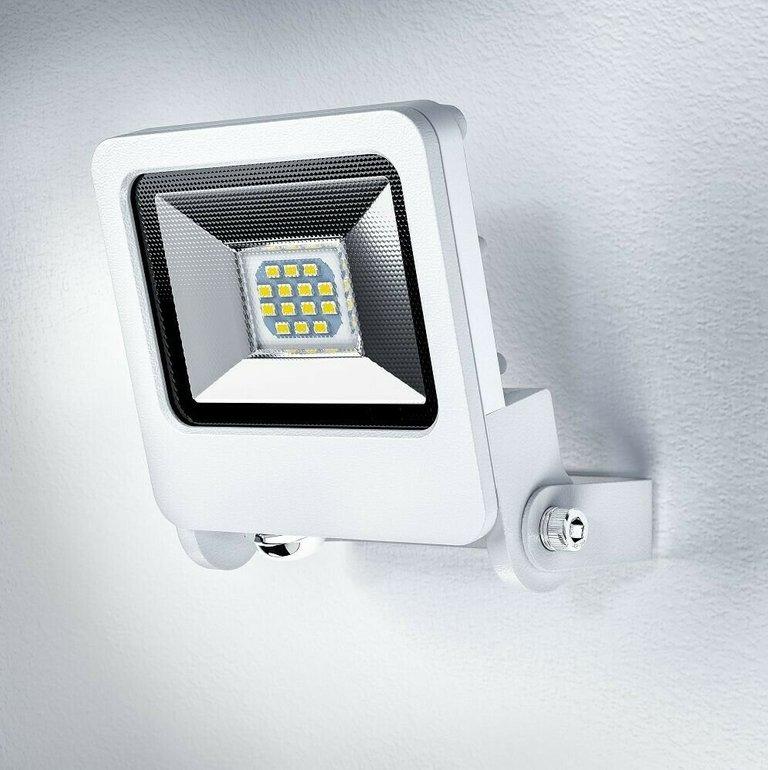 Doppelpack Osram Endura LED Flutlicht Lampen mit je 10W & 3000K für 16,90€ (statt 21€)