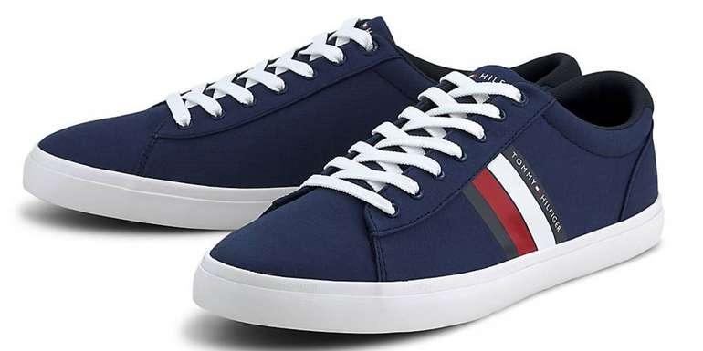 Tommy Hilfiger Herren Sneaker Essential Stripes Detail in dunkelblau für 39,17€inkl. Versand (statt 49€)