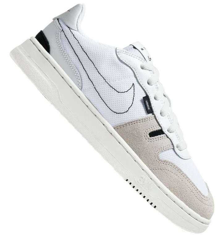 Nike Squash Type Sneaker für Kinder in 2 verschiedenen Ausführungen für 52,46€ inkl. Versand (statt 63€)