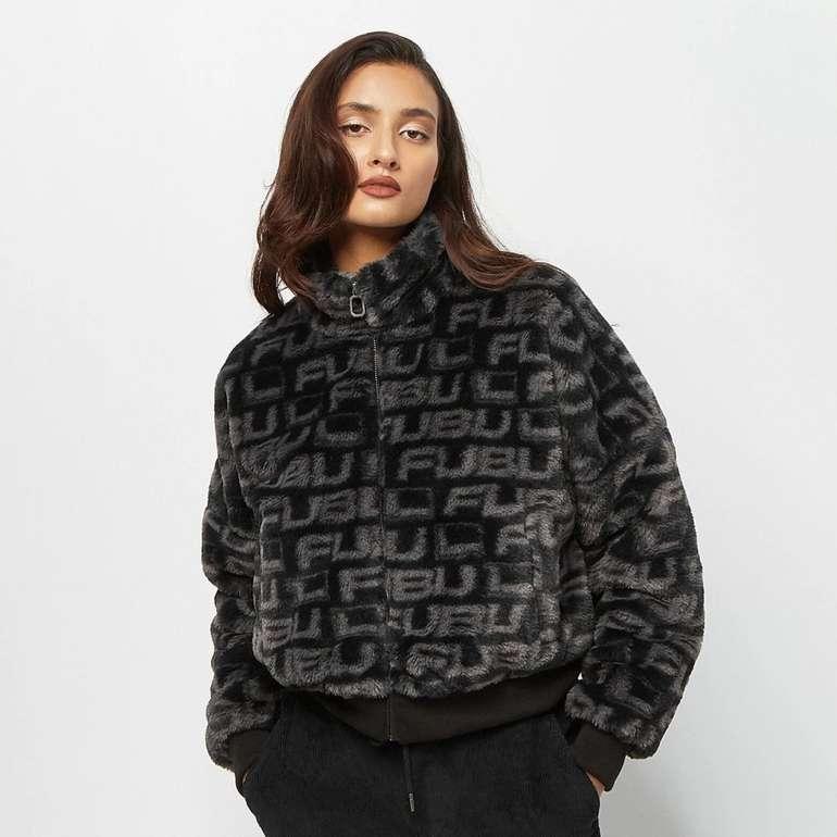 Fubu Corporate Aop Fake Fur Damen Jacke für 31,99€ inkl. Versand (statt 44€)