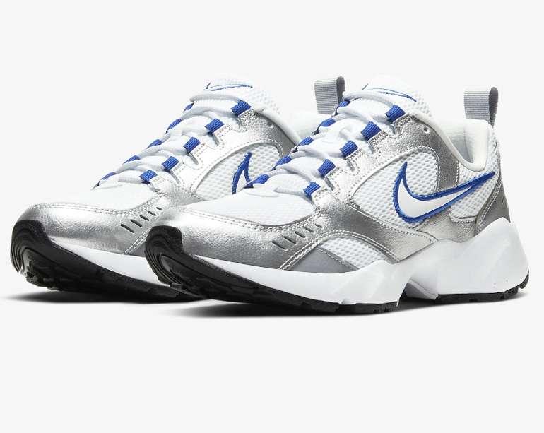 Nike Air Heights Herren Sneaker in blau/weiß/silber für 25,16€ inkl. Versand (statt 69€)