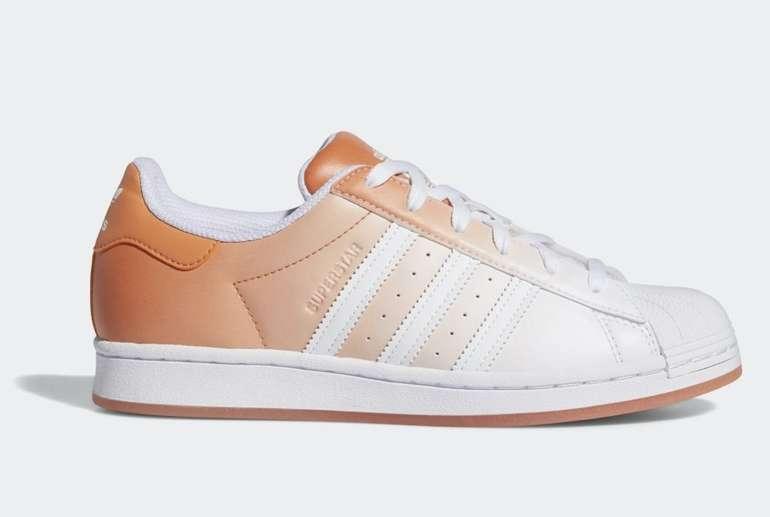 Adidas Originals Superstar Damen Schuh mit Farbverlauf für 45,50€ inkl. Versand (statt 65€)