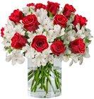"""Rosenarrangement """"Only For You"""" (15 rote Rosen und 15 Inkalilien) für 24,98€"""