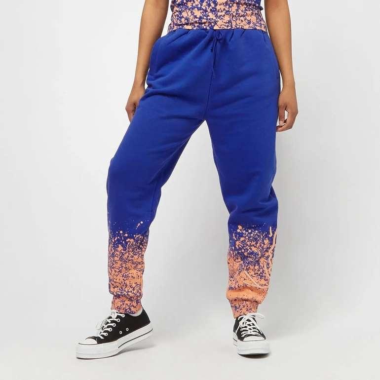 Karl Kani Signature Paint Splatter Damen Jogginghose für 31,99€ (statt 42€)