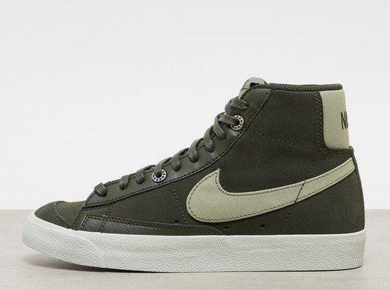 Nike Blazer Mid 77 Herren Sneaker in grau für 71,99€ inkl. Versand (statt 110€)