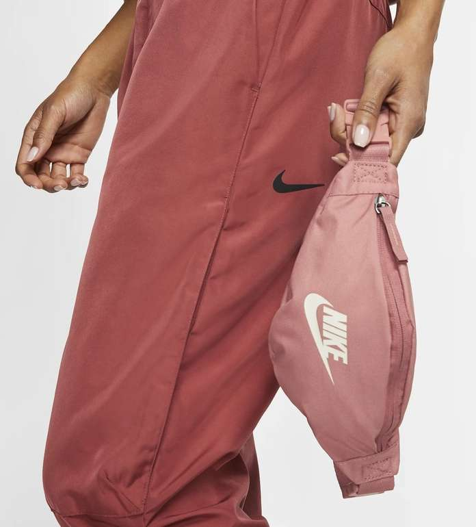 Nike Heritage kleine Hüfttasche für 13,85€ inkl. Versand (statt 19€) - Nike Membership