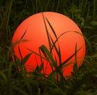 Homever LED-Solar-Kugelleuchte mit RGB Farbwechsel & IP67 für 34,99€