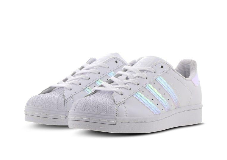 Adidas Superstar Iridiscent Junior Sneaker (GS) für 29,99€ inkl. Versand (statt 42€)