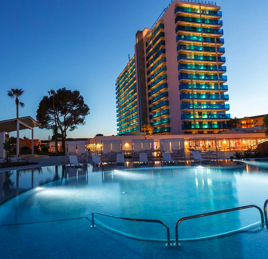 7 Tage Mallorca im 4* Hotel (Strandnähe) + Halbpension und Flüge für 254€ p.P.