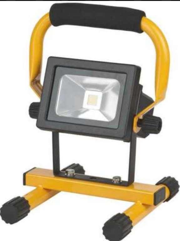 Brennenstuhl Akku Baustrahler (IP54, Mobile LED, 10W, 650lm) für 19,99€ (statt 69€)