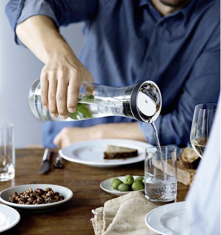 WMF Wasserkaraffe Basic (1 Liter) mit 2 Gläsern nur 29,99€ inkl. Versand (statt 39€)