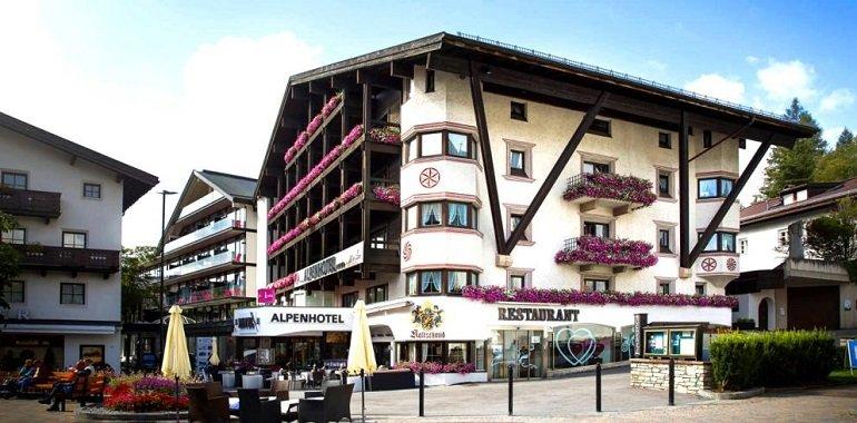 Alpenhotel Tirol TravelCircus