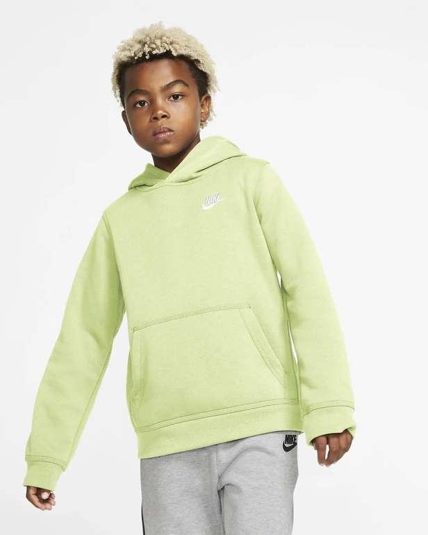 Nike Sportswear Club Pullover (ältere Kinder) in 2 Farben für je 23,98€ (statt 35€) - Nike Membership!