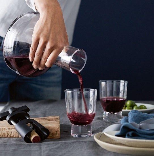 Schnell? WMF Taverno Dekantierkaraffe (1 Liter) mit zwei Gläsern für 19,95€ inkl. Versand (statt 43€)
