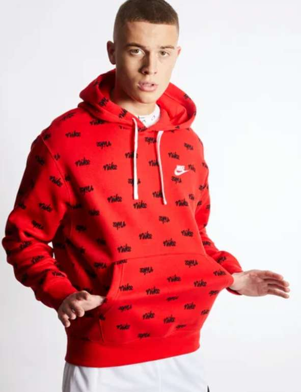 Nike Club Over The Head Herren Hoodie in Rot mit Logo-Print für 39,99€inkl. Versand (statt 48€)