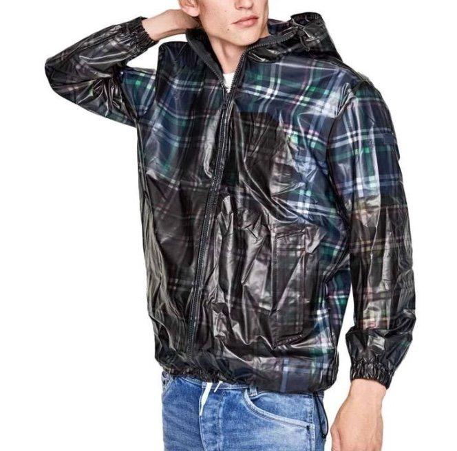 Pepe Jeans Light Herren Jacke mit Kapuze für 27,94€ inkl. Versand (statt 31€)