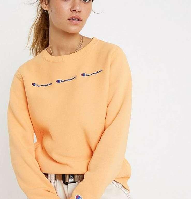 30% Rabatt auf Champion Produkte bei Urban Outfutters - z.B. Damen Sweatshirt für 48,30€