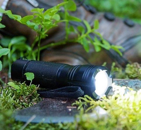 Ansmann Agent 5 LED-Taschenlampe (220lm, 3 Leuchtmodi, IP67) zu 16€ (statt 40€)