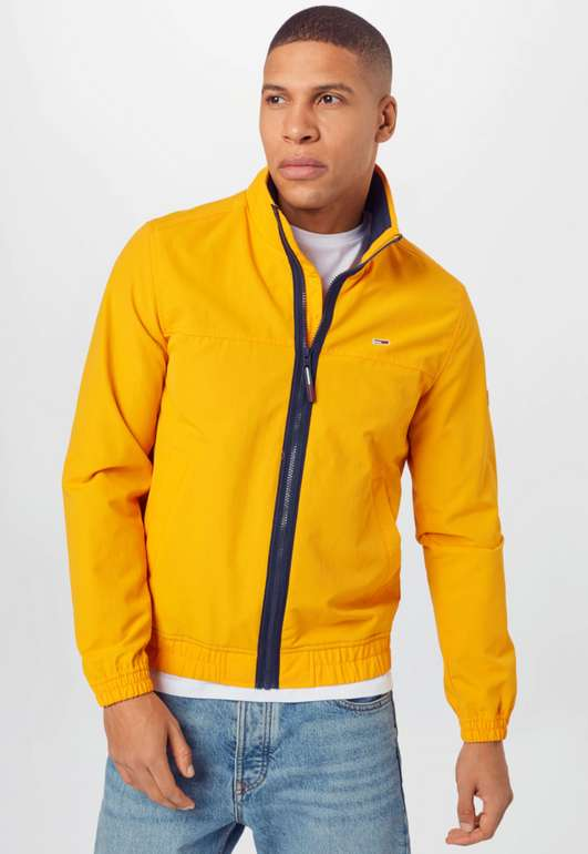 Tommy Jeans Jacke Essential in gelb für 64,90€inkl. Versand (statt 90€)