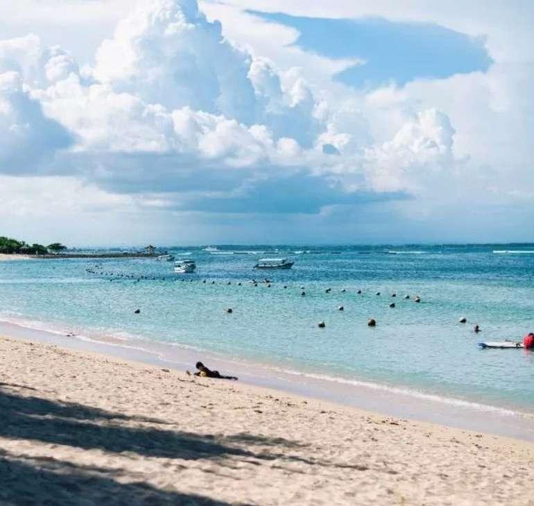 Bali / Indonesien (April-Mai 2022): Eine Woche im 4* Hotel The ONE Legian für 20€ p.P. (kostenlos stornierbar!)