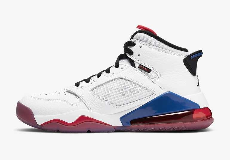 Nike Herren Sneaker Jordan Mars 270 in weiß/university red/rush blue für 67,88€ inkl. Versand (statt 120€)