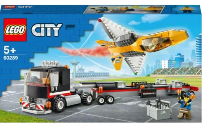 Lego City Flugshow-Jet-Transporter (60289) für 17,59€ inkl. Versand (statt 23€)