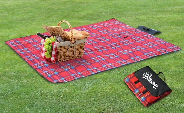 Outsunny Picknickdecke 170 x 135 cm für 9,99€ inkl. VSK (statt 15€)