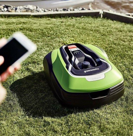 Greenworks Optimow 10 Akku-Mähroboter mit App-Steuerung für 333€ (statt 779€)