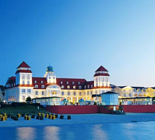 Binz: Ab 2 Nächte im 4* Travel Charme Kurhaus inkl. Halbpension, Welcome Drink & Spa ab 149€ pro Person